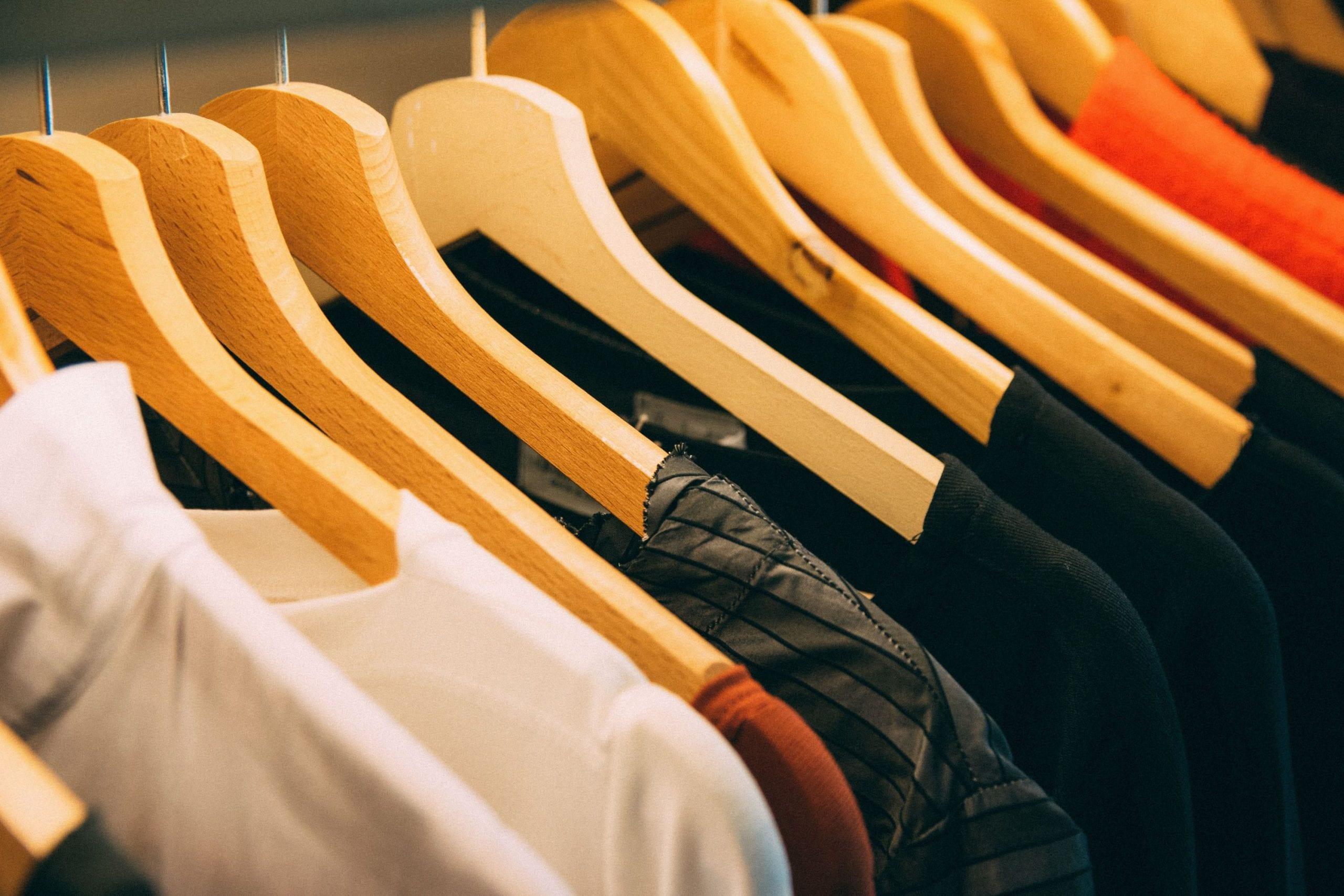 cabinet-clothes-clothes-hanger-996329