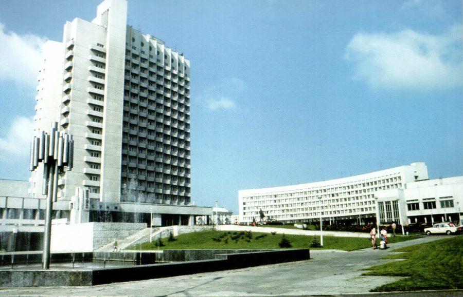 Готель «Суми», 80-ті роки