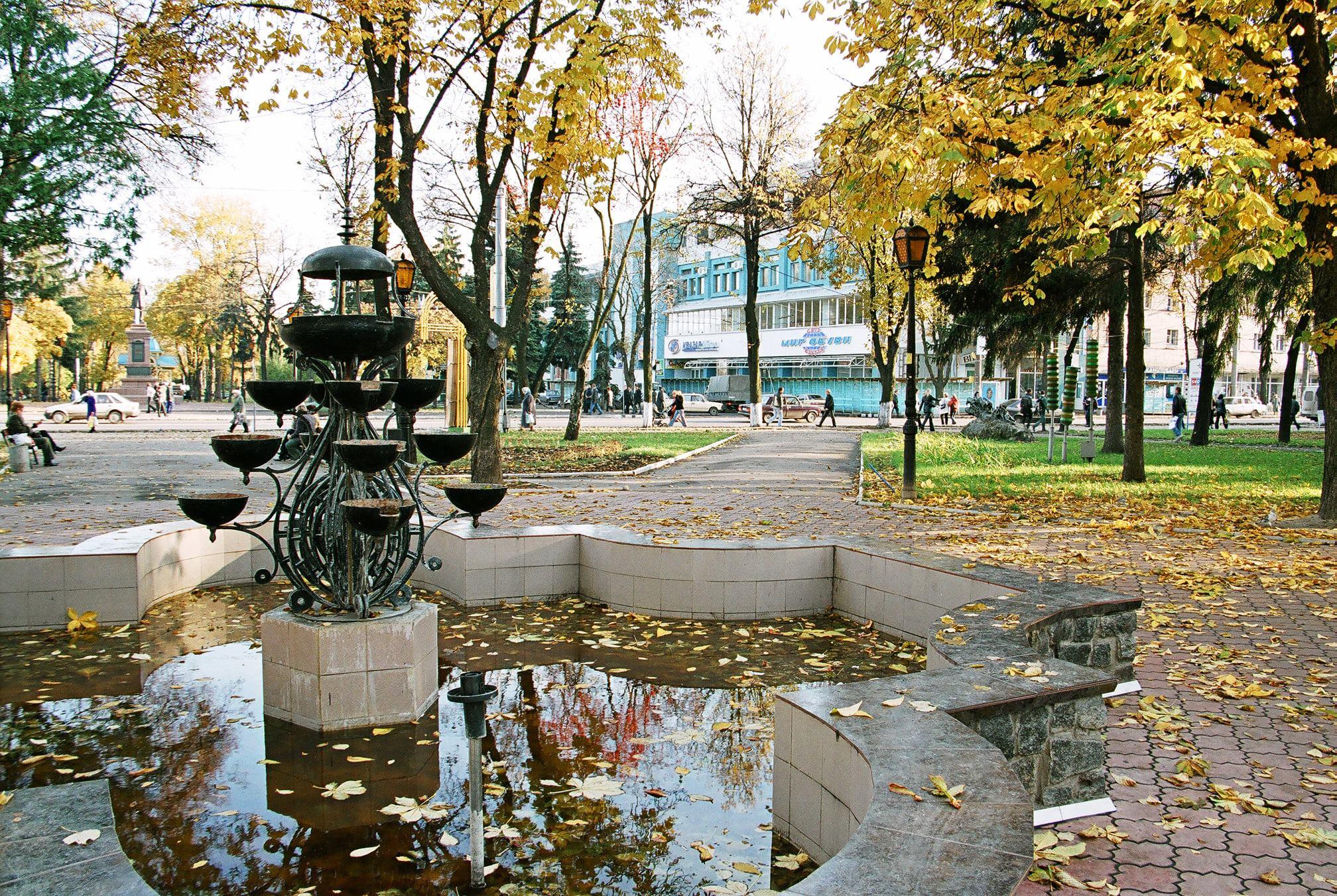Покровська площа, 2005. Фото: Анатолій Немченко