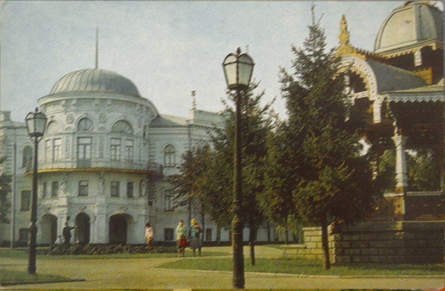 Театральна площа, 1976 рік