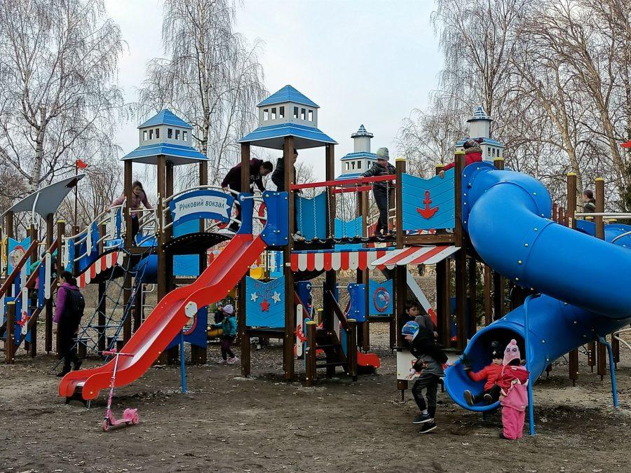 Фото: Дитячий майданчик у Сумах